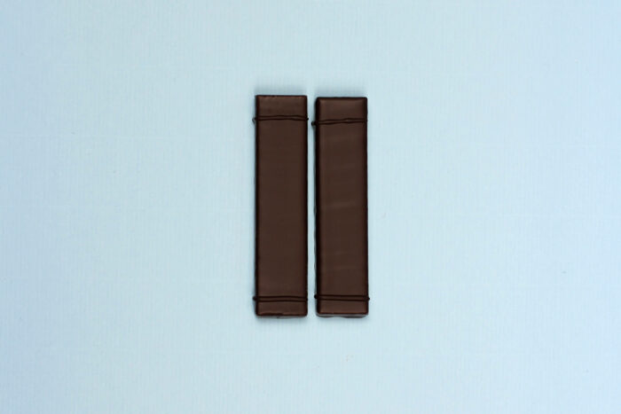 hd ghent by hilde devolder chocolatier marsepein balkjes met donkere chocolade 70 peru