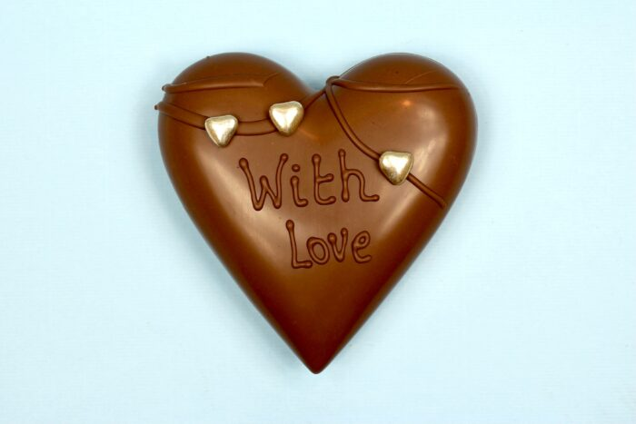 hd ghent matroeska heart milk chocolate valentine 2021 set of tree one and two in tree closed