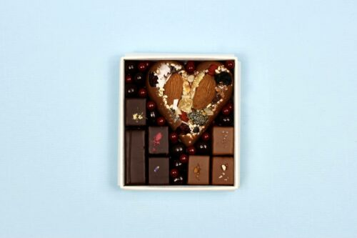 hilde devolder chocolatier box milk chocolate heart with pralines