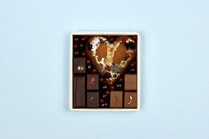 hilde devolder chocolatier box milk chocolate heart with pralines