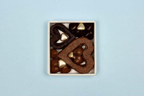 hilde devolder chocolatier box with hearts