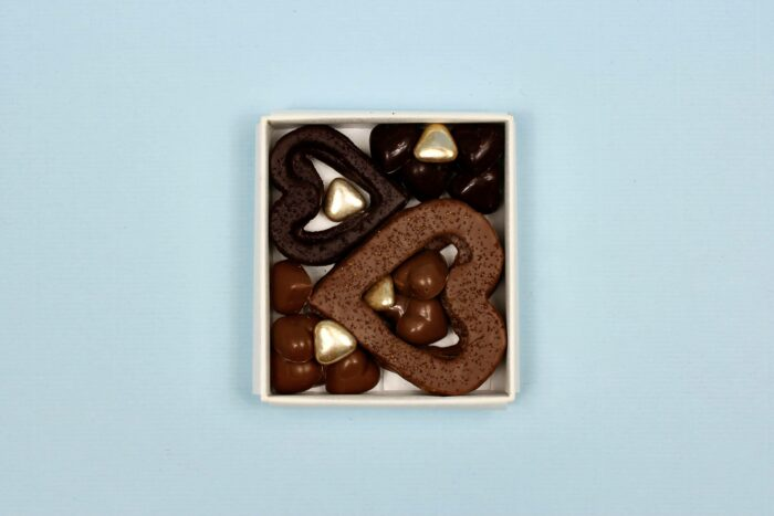 hilde devolder chocolatier box with hearts
