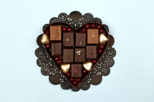 hilde devolder chocolatier dark chocolate heart with treats