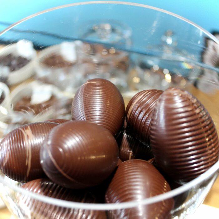 hilde devolder chocolatier easter 2021 hollow easter egg 7 cm
